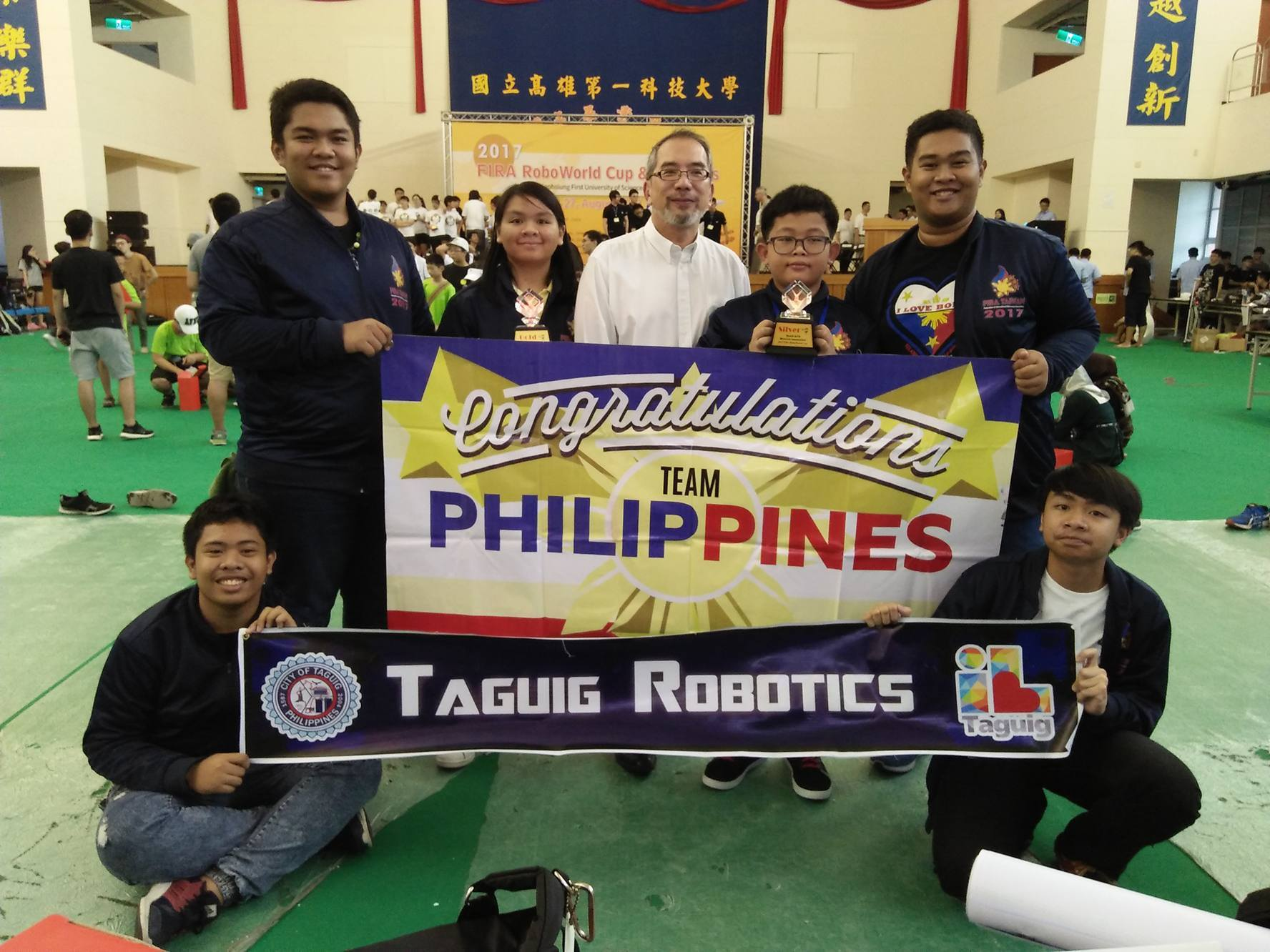 Taguig students bag trophies from int'l robotics competition
