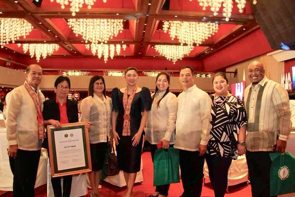 Taguig bags its 1st Year CROWN Maintenance Award for quality nutrition programs
